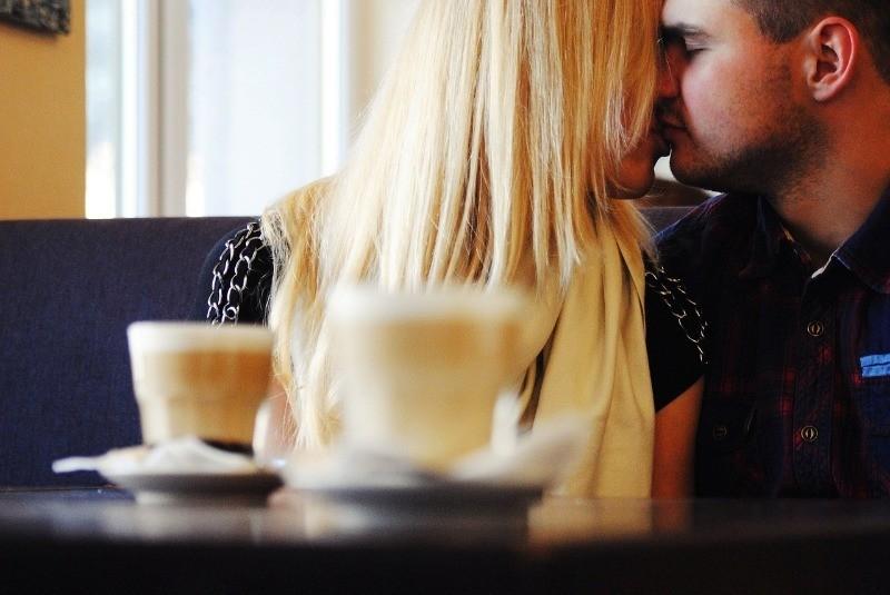 Как восстановить доверие любимой девушки